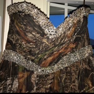 Size 16 Carrafina dress